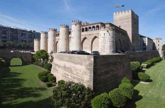 Palacio-de-la-Aljaferia-Zaragoza.jpg