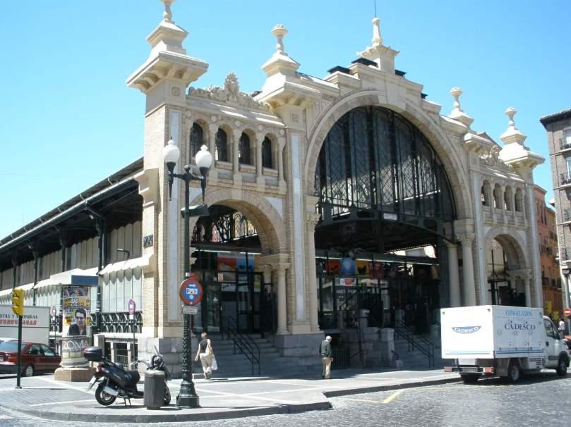 Zaragoza_-_Mercado_Central_2.jpg